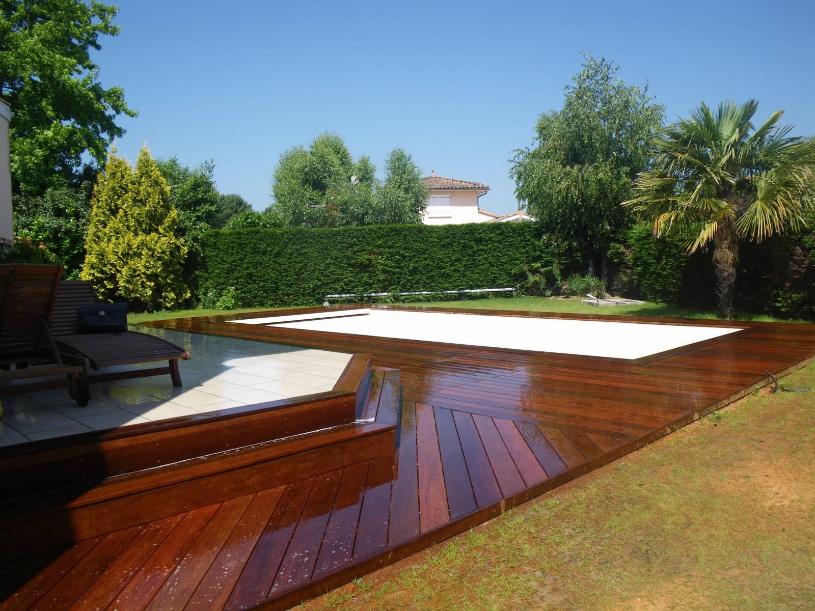 Terrasse bois cestas for Constructeur piscine 31