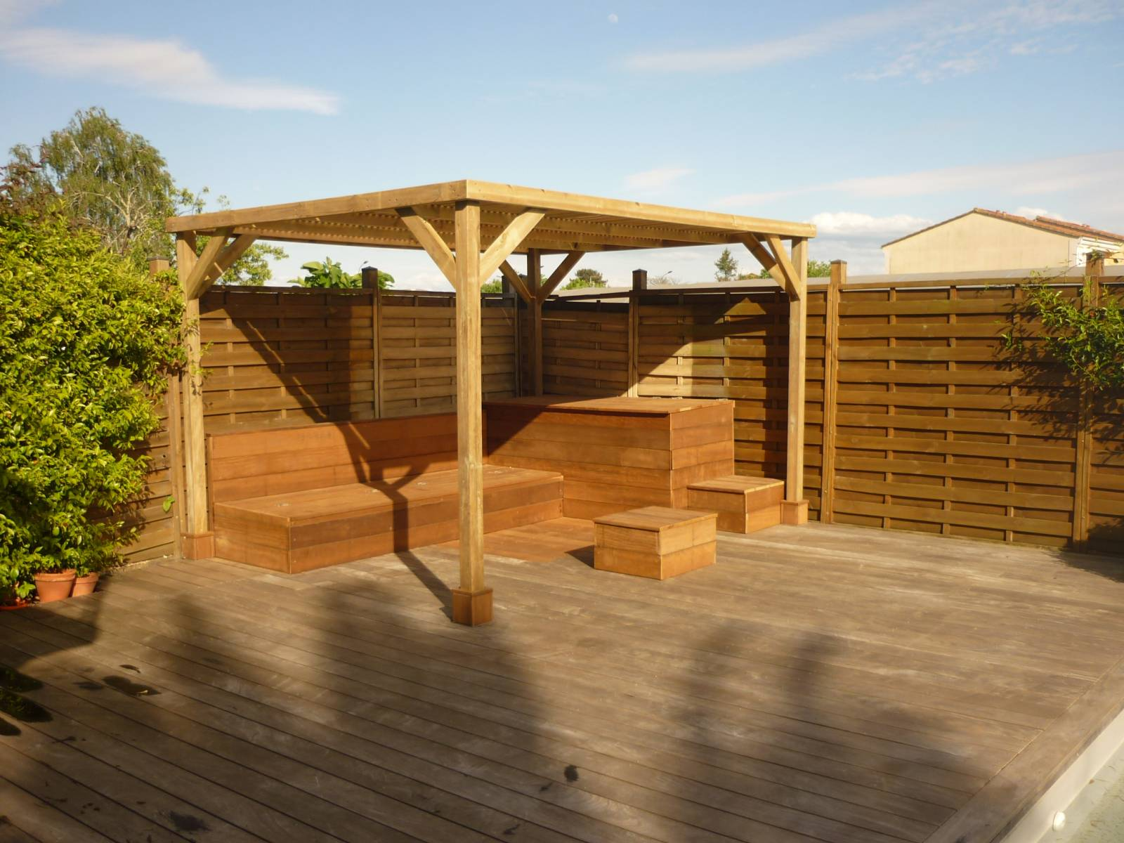 r alisation d 39 un espace terrasse et banquette en bois sapin du nord et itauba a cestas deck. Black Bedroom Furniture Sets. Home Design Ideas
