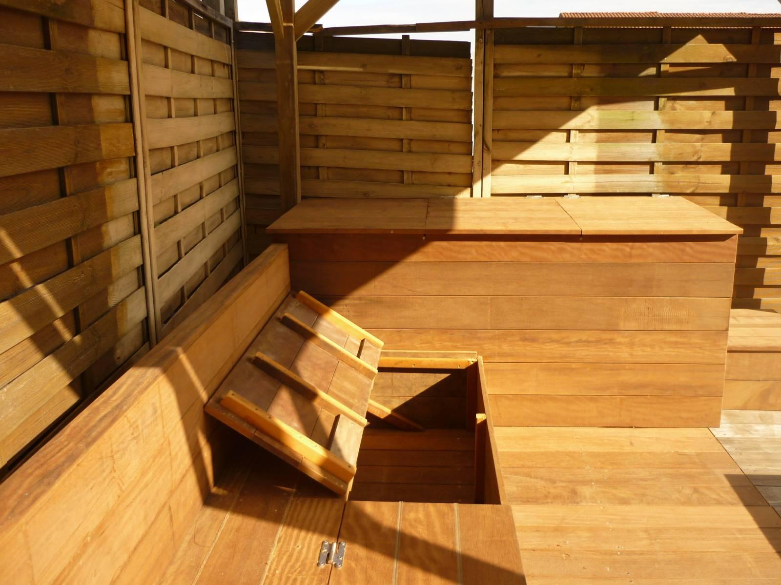 R alisation d 39 un espace terrasse et banquette en bois Coffre terrasse bois